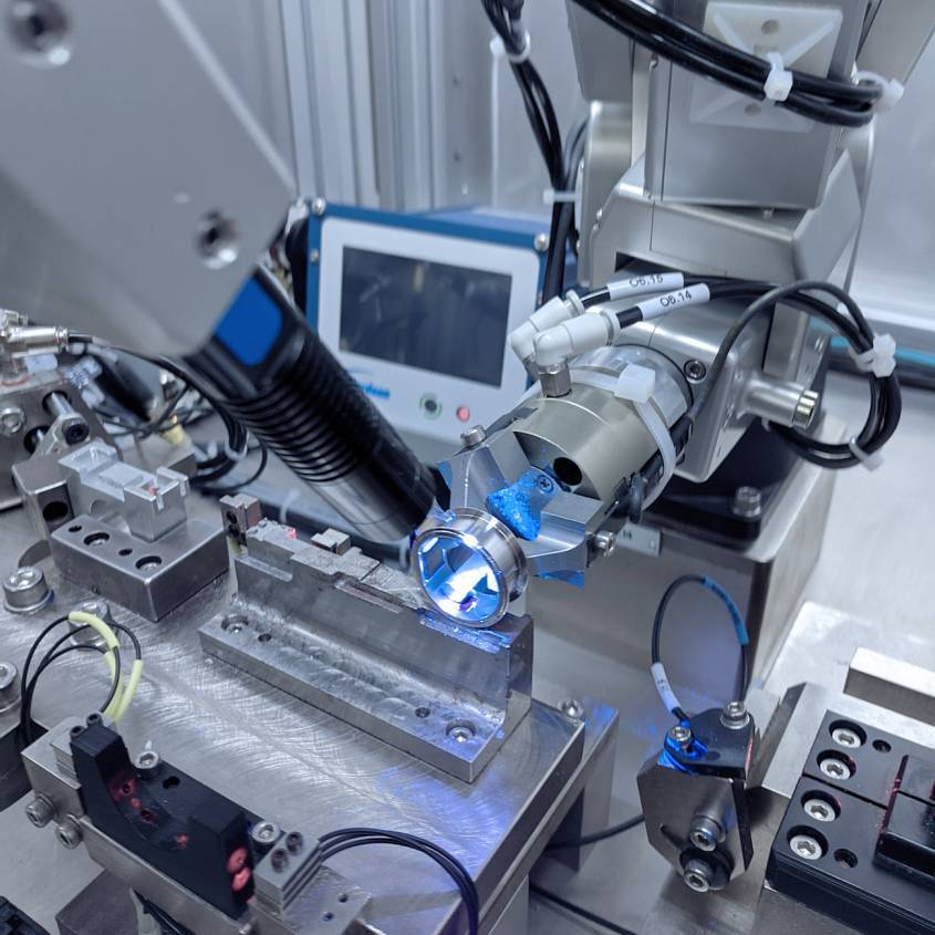 Dispensing on a Token ring with the Meca500 industrial robot
