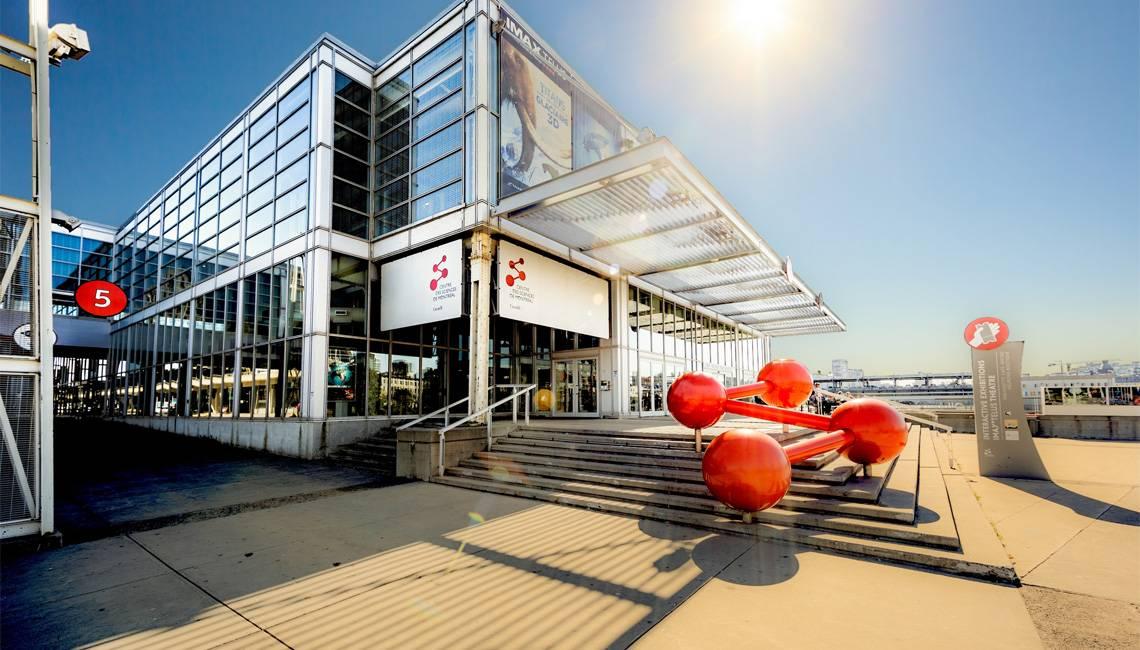 """蒙特利尔旧港口的蒙特利尔科学中心。图片来源:https://www.montrealsciencecentre.com""""srcset="""